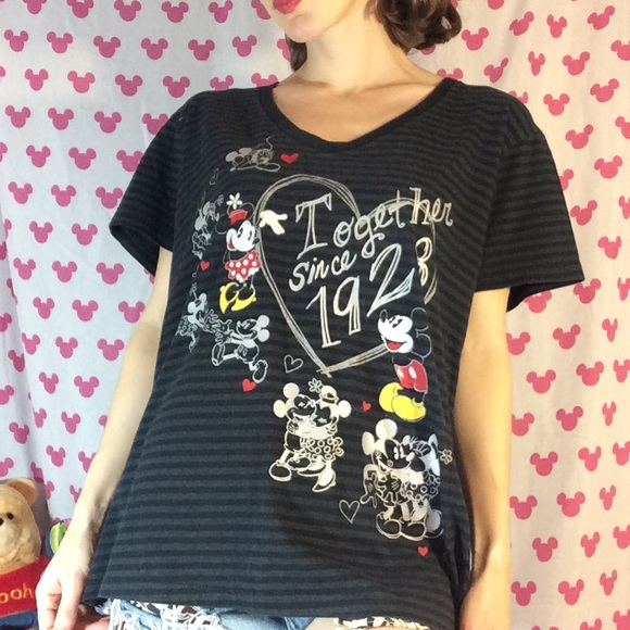 Disney Tops - Mickey & Minnie Mouse ❤️ Love Together Graphic Tee